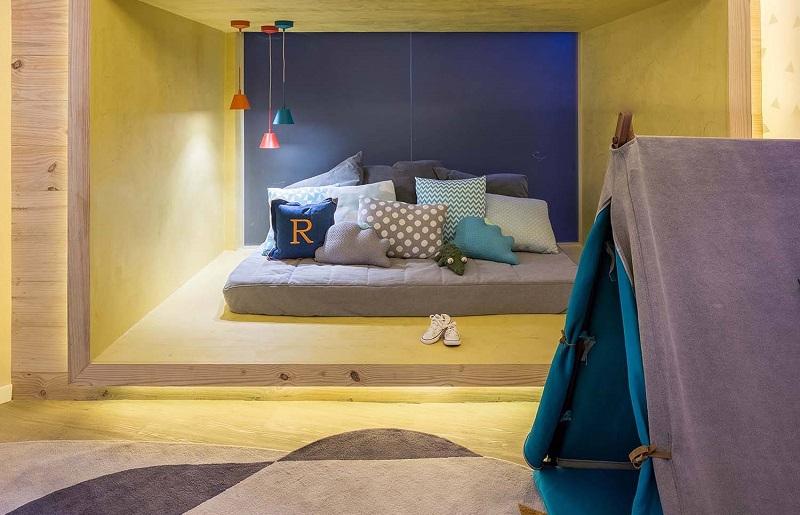 Decoração de quarto infantil montessoriano