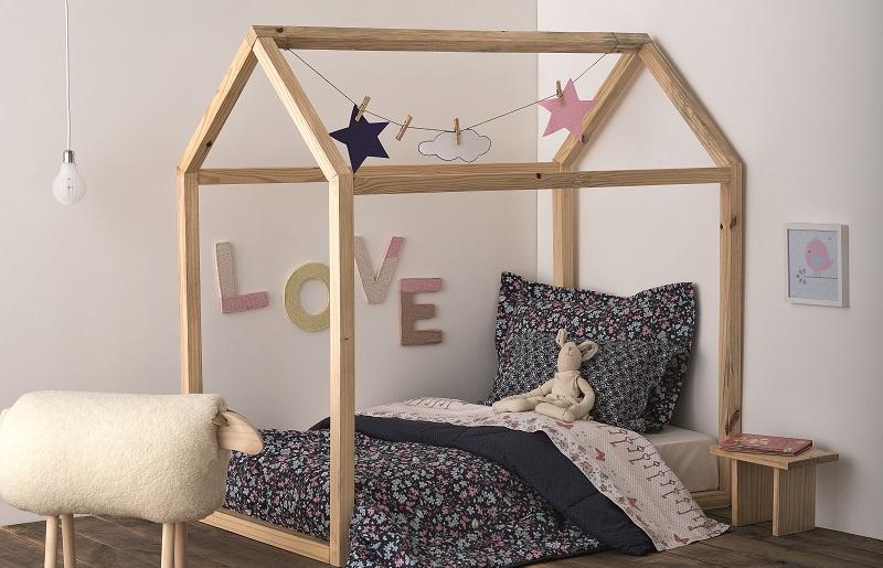 Cama de casinha para decoração de quarto infantil