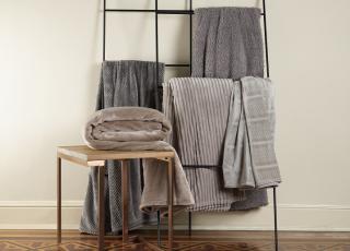 5 dicas de organização para guardar suas roupas de cama