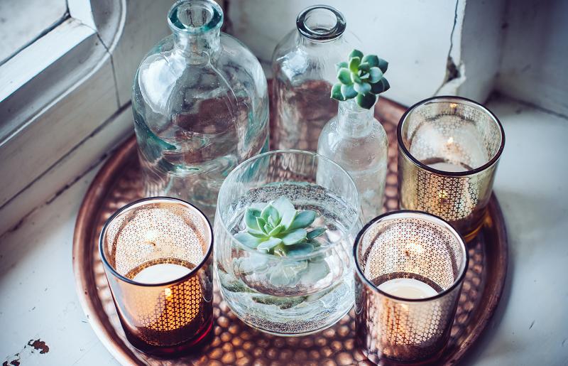 Decoração com garrafas como vasos
