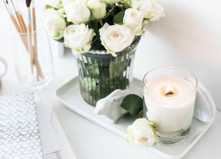 Acerte com o uso de bandejas decorativas em 5 ambientes