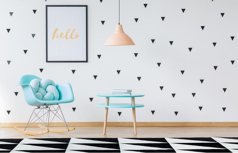 Sala com papel de parede vinílico