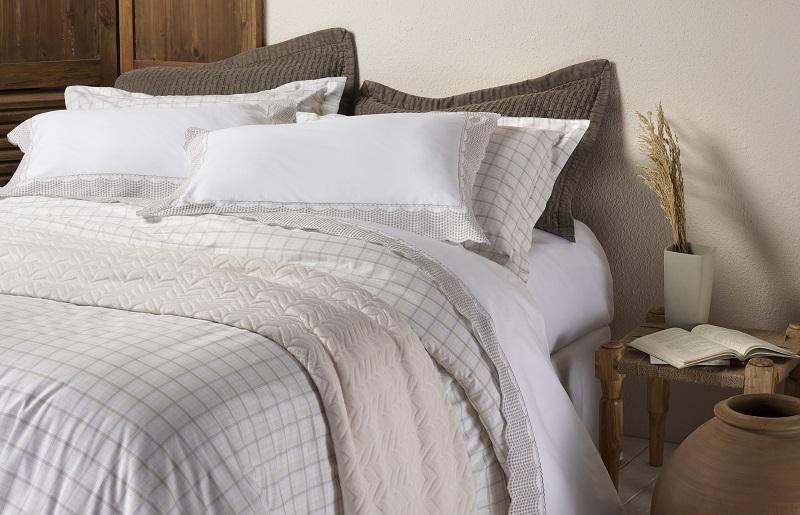 Como dormir no calor - roupa de cama