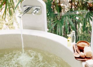 banheiro-banho-aroma-sais-de-banho-relax