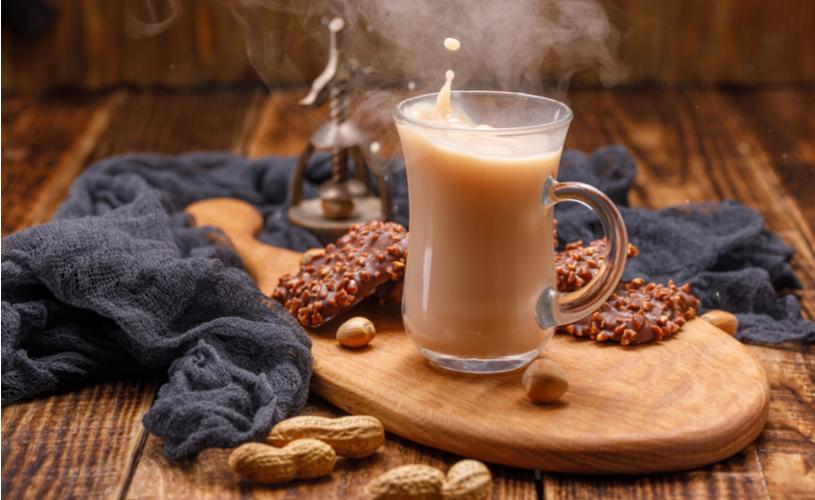 chá-de-amendoim, bebidas quentes, inverno, aconchego